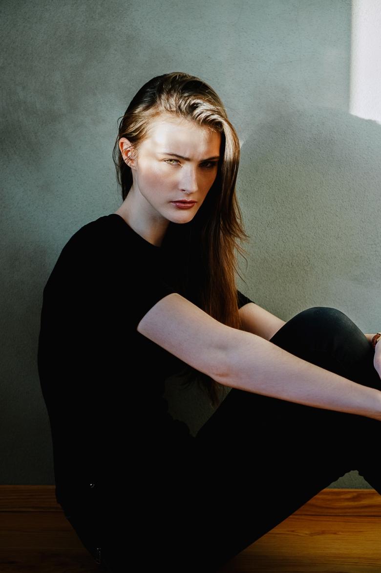 M: Anna Elise @ Ambition Models; MUA: Jacqueline Kroon